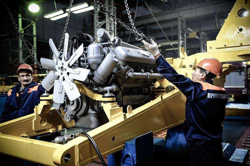 Производство тракторов ЧЕРТА
