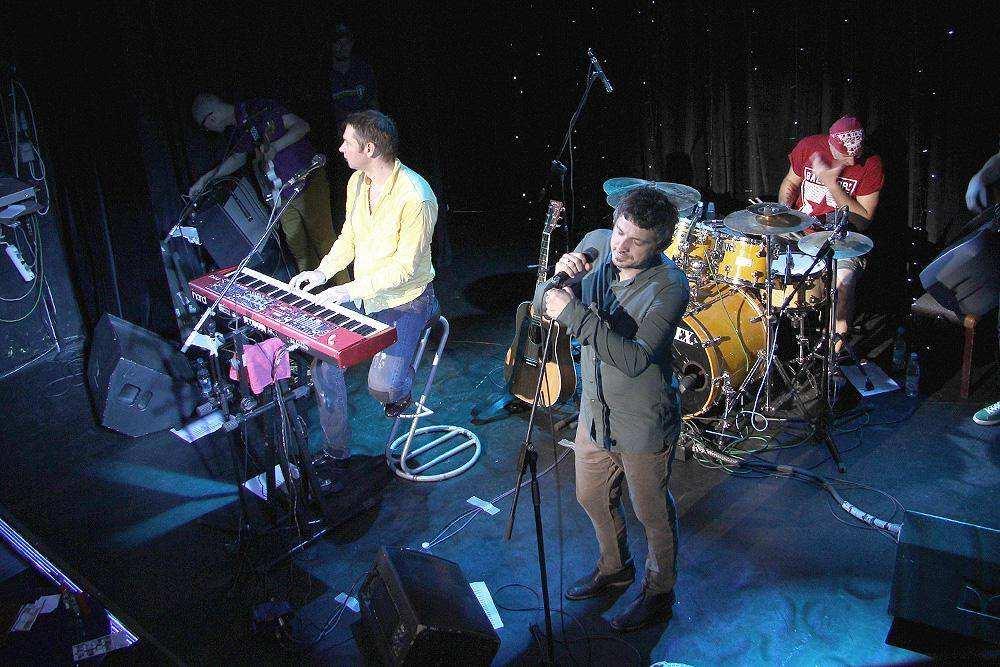 Группа «Ундервуд» сыграла в «Альма Матер»