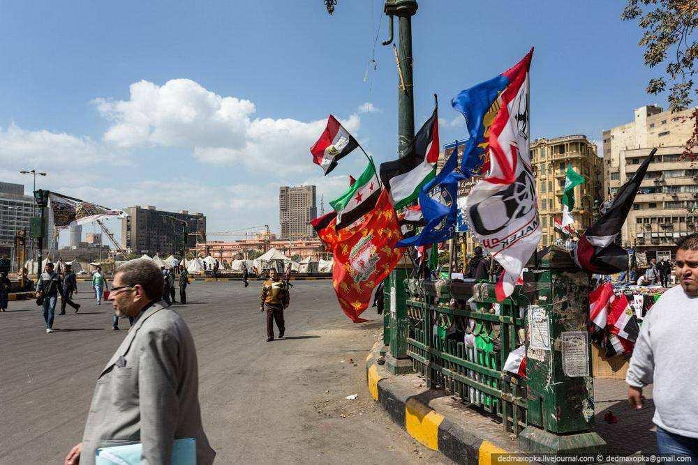 Каир. Руферы залезли на вершину пирамиды Хеопса