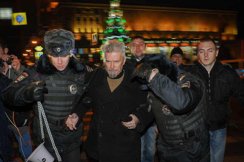 Участники акции «Стратегия-31» задержаны на Триумфальной