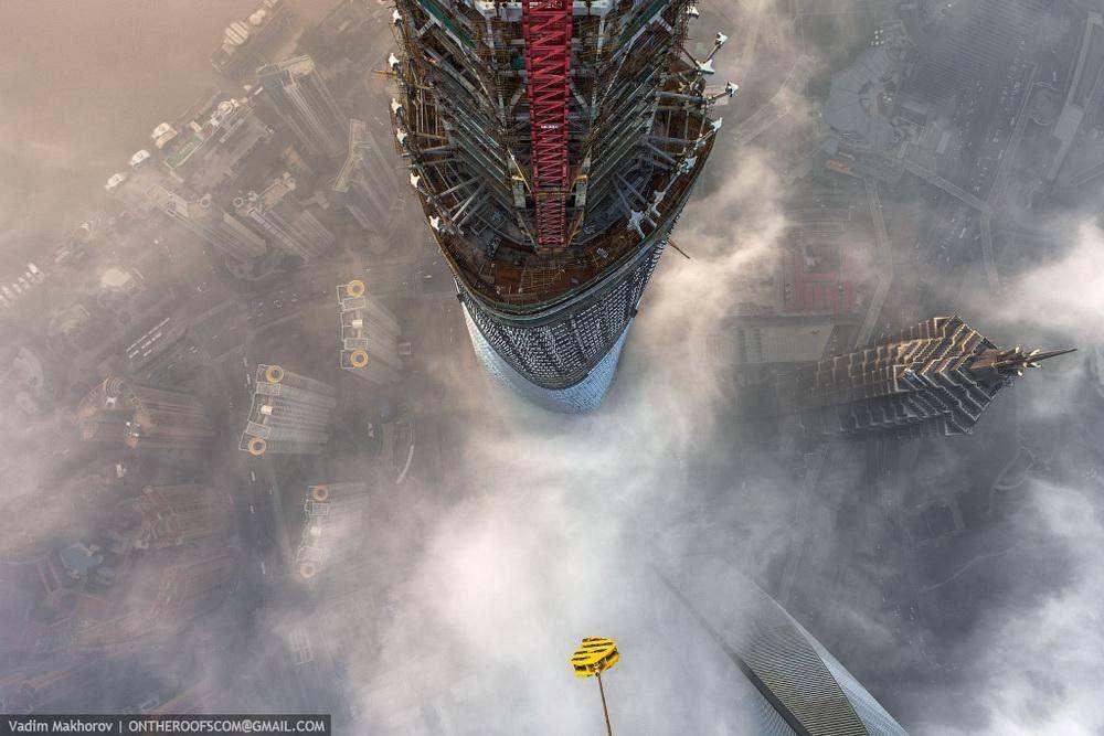 Московские руферы залезли на Шанхайскую башню