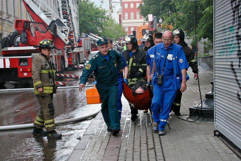 Пожарный пострадал на пожаре