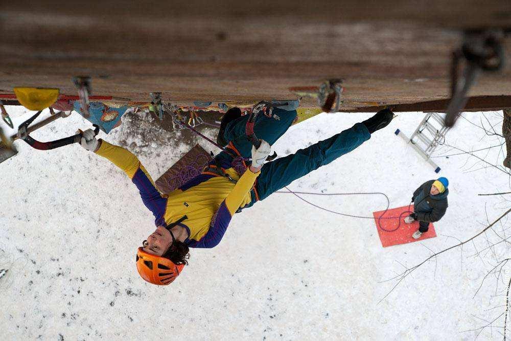 Этап Кубка России по ледолазанию