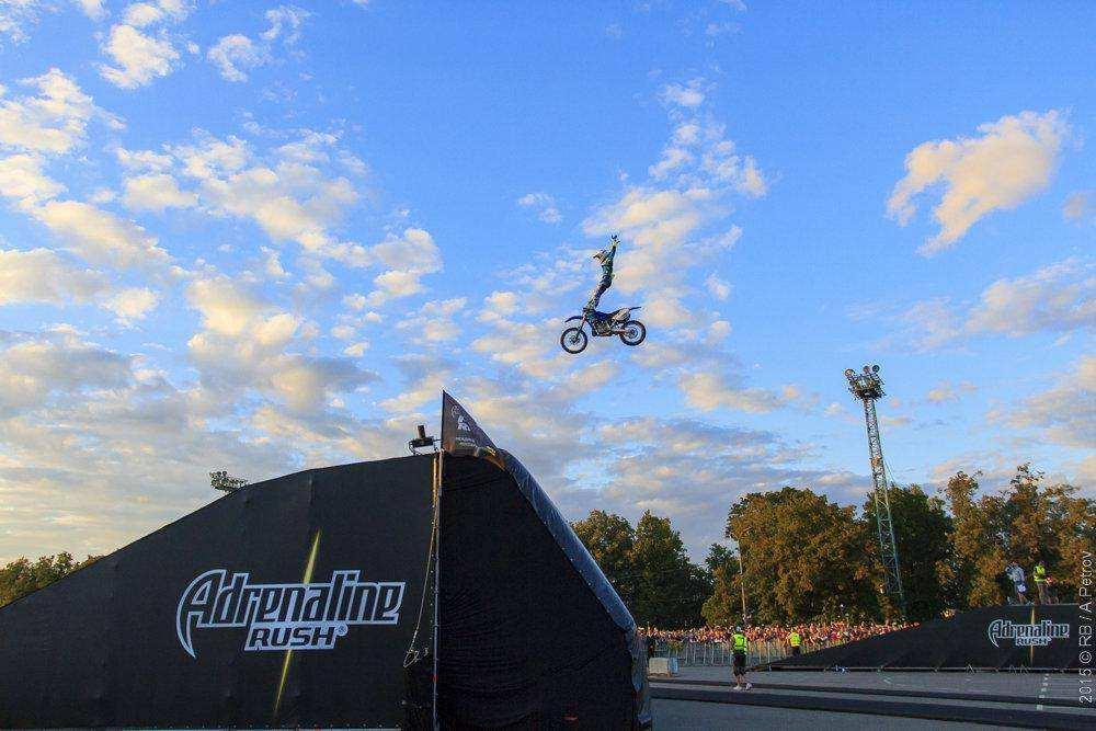 Adrenaline FMX в Лужниках: шоу на 360 градусов