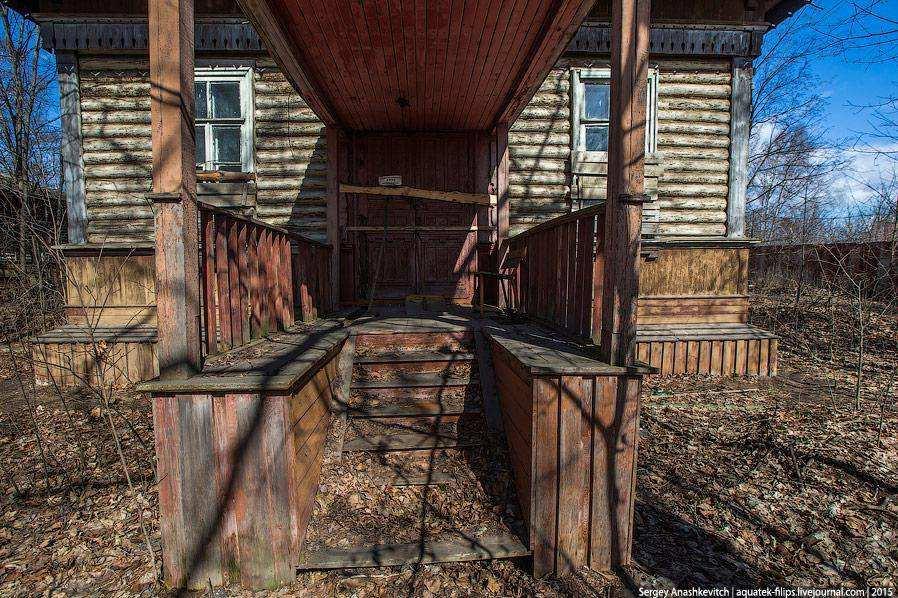 Заброшенная биржевая больница в Рыбинске