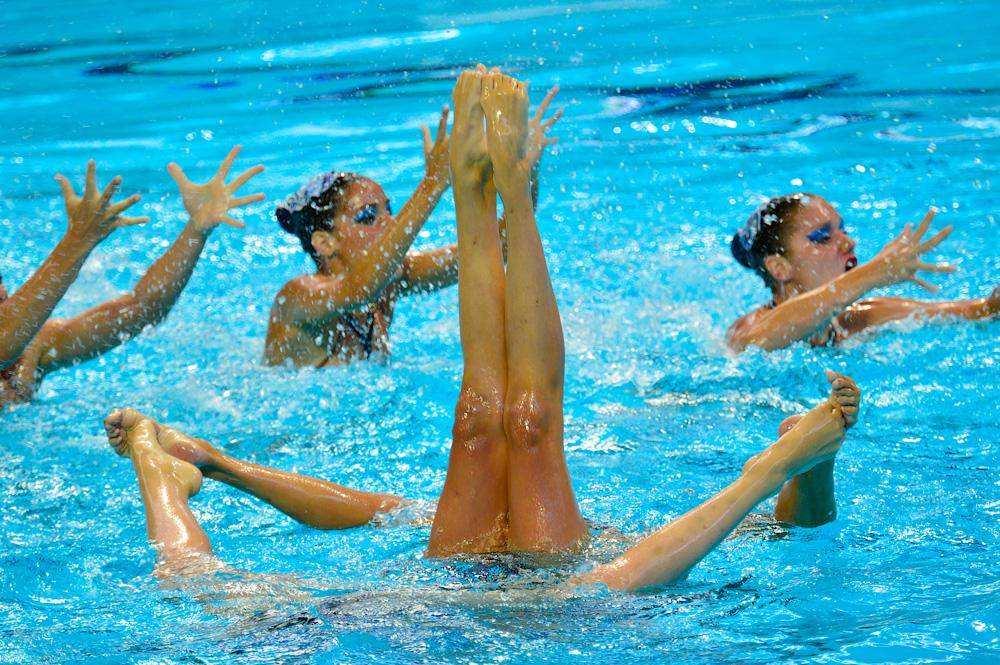 golie-sinhronnoe-plavanie