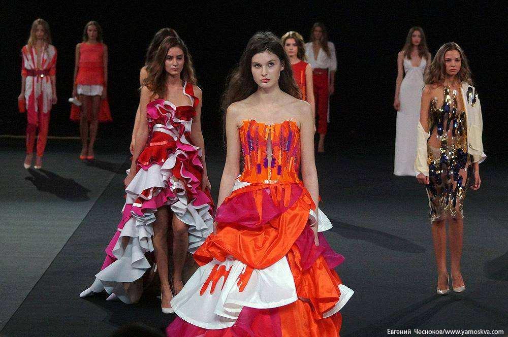 Неделя Моды в Москве открылась показом коллекции Валентина Юдашкина