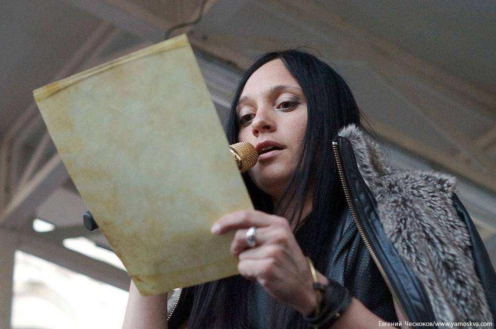 На Арбате артисты прочитали письма не вернувшихся с войны