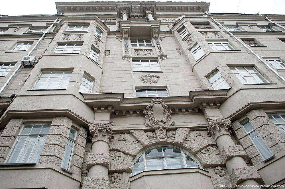 Таганка откроет сезон на Поварской улице
