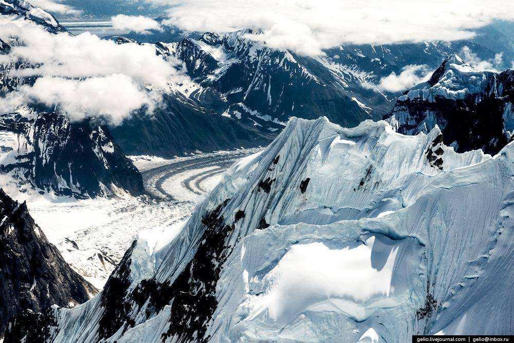 Полёт над горой Денали на Аляске