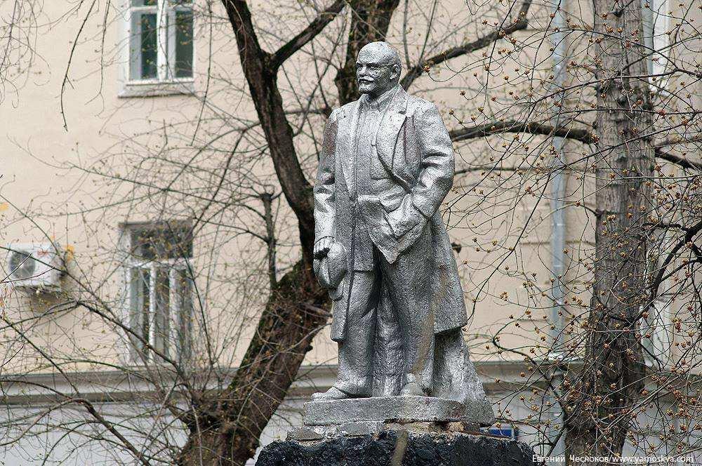 На улице Климашкина снесён памятник Ленину