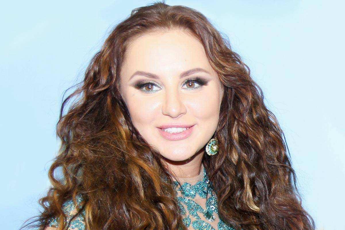 Певица Анна Asti