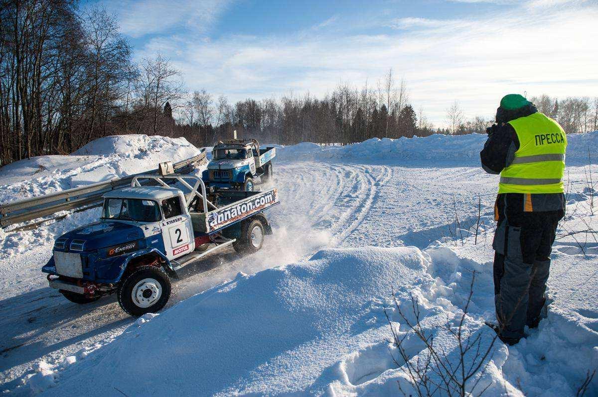 Этап чемпионата России по автокроссу Русская Зима