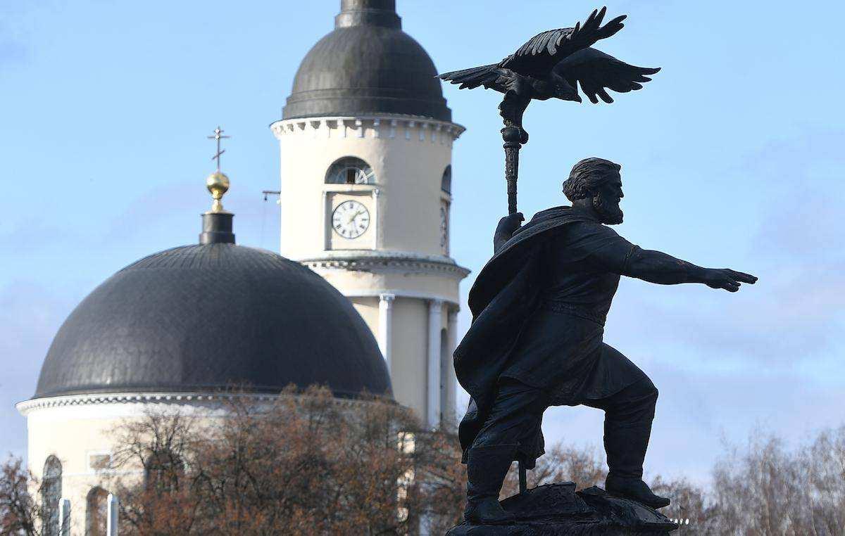 Иван Третий подвинул Ленина
