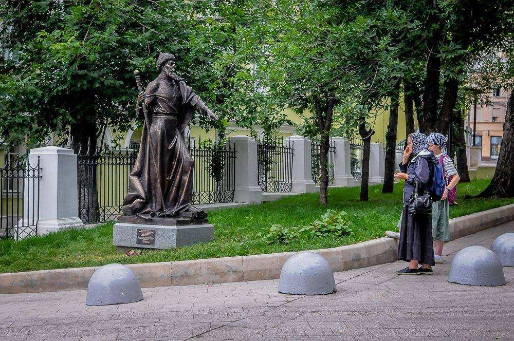 Аллея правителей в Москве