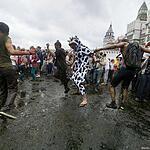 В Москве устроили индийский праздник «Холи»