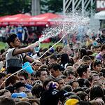 Водная битва в фонтане Дружба народов