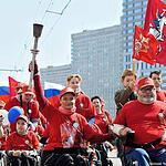 Инвалиды-колясочники отметили День Победы пробегом