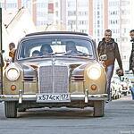 Коллекционные автомобили проехали по Москве