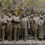 Горельеф Вучетича восстановят, но Сталин на ВДНХ не вернётся