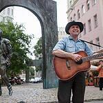 Протестная акция уличных музыкантов на Арбате