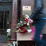 Петербуржцы скорбят по жертвам теракта в Ницце