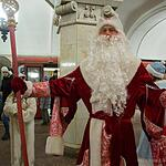 Деде Мороз в метро