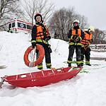 В Строгино прошли учения МЧС по спасению на воде